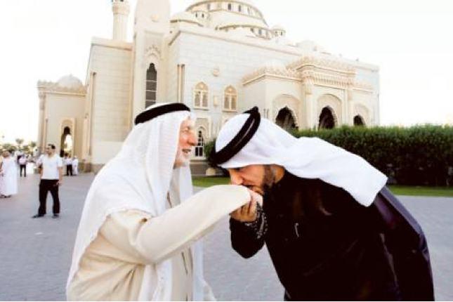 Pakaian itu terbiilang unik namun umum dipakai oleh para pria di negara-negara Arab.